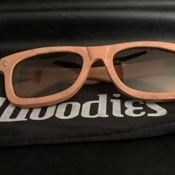 caab427f6136 WOODIES Light Grain Full Bamboo Wood Sunglasses. M 5bdb80ca5c4452f0155fac0d